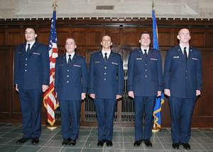 Air Force Dress & Udseende Regulations