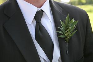 Hvordan cocktailparty påklædning adskiller sig fra formelle påklædning?