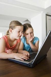 Hvordan kan jeg kontrollere, hvad mine børn har set på internettet, efter at de har slettet History?