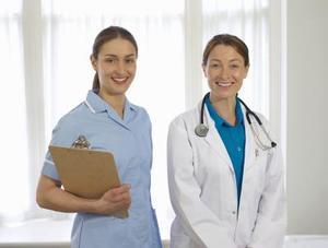 Hvordan bliver en neonatal sygeplejerske