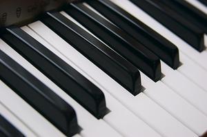 Hvordan man kan forbedre dit tastatur Musik Skills