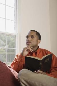 Hvordan kan jeg finde gaver til kristne mænd?