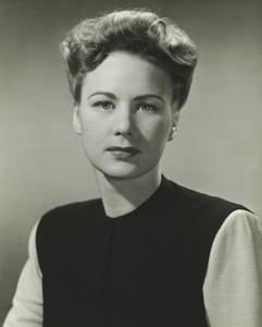 1940'er-Updos til mellemlangt hår