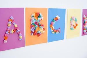 Børne håndværk med silkepapir firkanter lim & en blyant