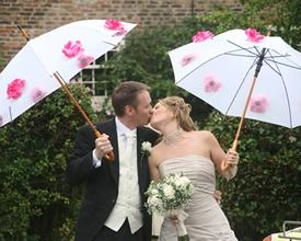 Hvordan til at dekorere en paraply for et bryllup