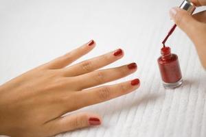 Sådan beskytter Tørring Nail Polish mens du sover