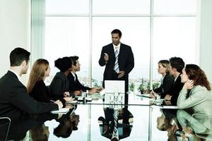 Hvordan man kan forbedre opmærksomhed på detaljer i de ansatte