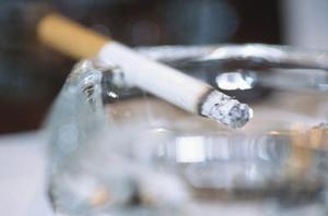 Hvordan at skjule lugten af cigaretrøg i hjemmet