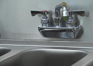 Sådan at fjerne pletter fra Sink Mats