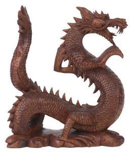 Hvordan at skære små figurer af Dragons af træ