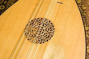 Liste over middelalderlige strengeinstrumenter