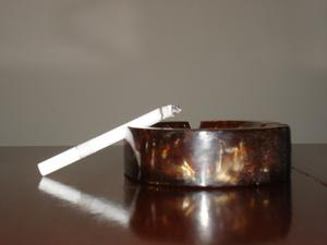 Sådan fjernes cigaretrøg lugt fra et hus