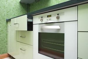 Anvisninger til, hvordan man bruger en selvrensende ovn
