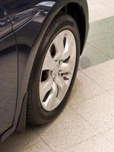 Sådan ændres Forhjulslejer på en 2002 Chevy Silverado 2500Hd