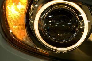 Sådan Reset Oil og Engine Light på en BMW X5 2003 Brug af Ignition