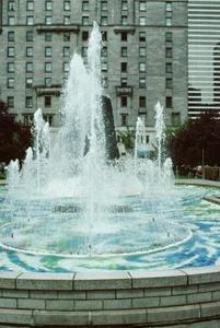 Hvordan man opbygger en lille Gravity Water Fountain