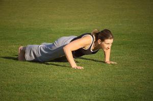 Hvordan man kan slippe af fedt, der stikker ud mellem din underarm og bryst