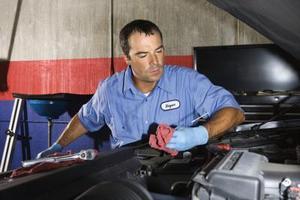 Sådan ændres motoren monteres på en Subaru Impreza