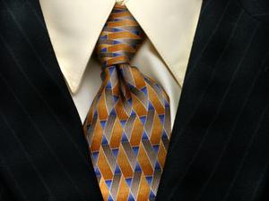 Sådan fjernes en blækklat på et Suit