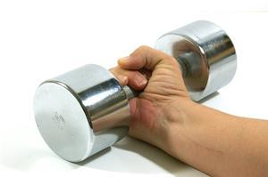 Hvor meget vægt skal jeg løfte at tone mine arme?