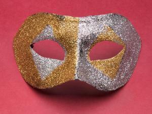 Hvordan man laver en mands maskerade maske