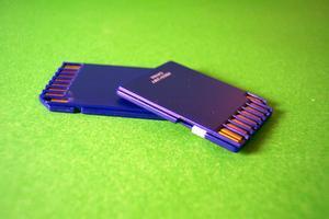 Sådan installeres et SD disk i stedet for en bærbar harddisk