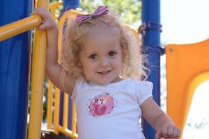 Instruktioner til hvordan man laver Baby Pandebånd & Hair Bows