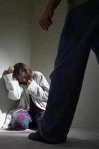 Hvordan kommer man igennem et mentalt voldeligt forhold