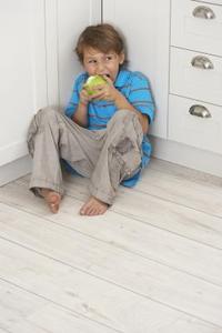 Hvordan kan jeg stoppe mine børn fra Hiding deres mad?