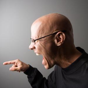 Hvad er symptomerne på verbal misbrug?