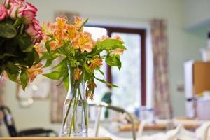 Traditionelle blomsterarrangementer