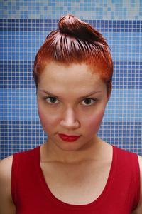 Hvor ofte skal jeg bruge permanent hårfarve på hele mit hoved?