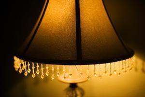 Hvordan til at passe en lampeskærm