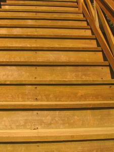 Hvordan til at bygge nemme trapper for loftsrum