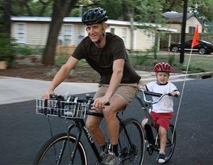 Sådan Ride en Tagalong cykel sikkert
