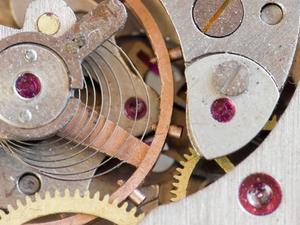 Sådan indstilles en mekanisk ur