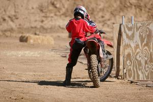 Sådan Fix en Pull Start på en Dirt Bike
