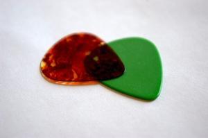 Hvordan laver hjerteformede Guitar Picks
