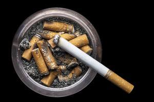 Sådan fjerner cigaretrøg lugt fra møbler